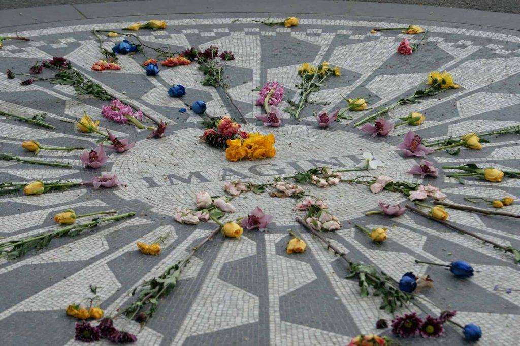 Strawberry Field Memorial, Nova York. Foto: Reprodução.
